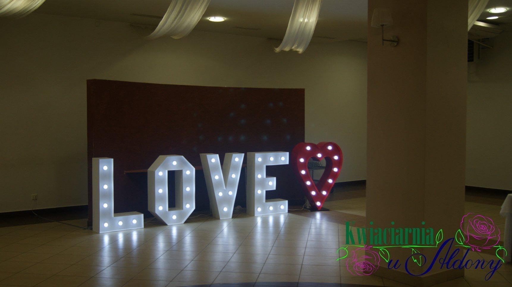 Napis Love + serce led